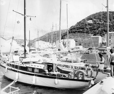 Laborit et son voilier Le GREGAOU (années 1980)